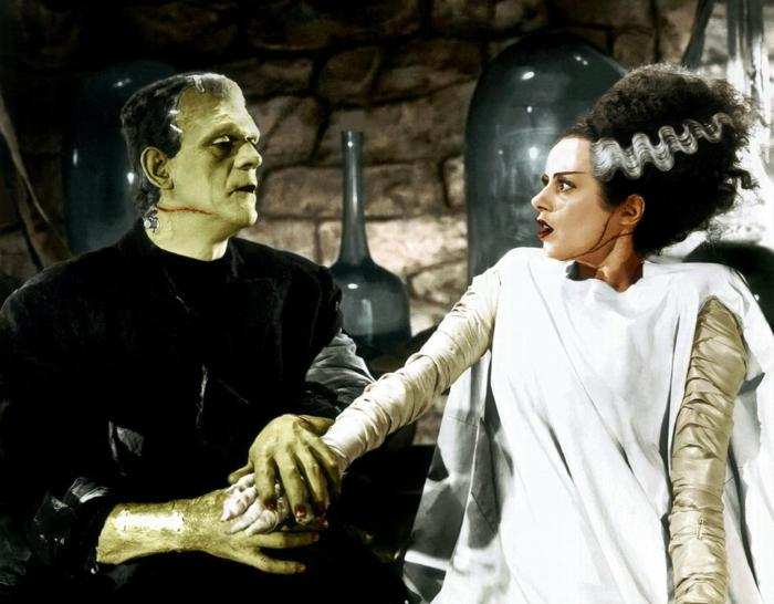 idée déguisement Frankenstein, peinture pour corps verte, robe blanche longue, coiffure volumineuse