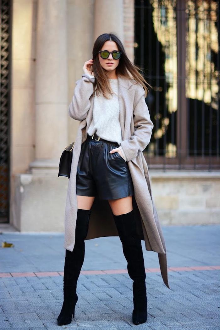 Cuissarde taupe, comment porter des cuissardes tendance, style avec cuissarde à la mode, manteau longue à couleur neutre