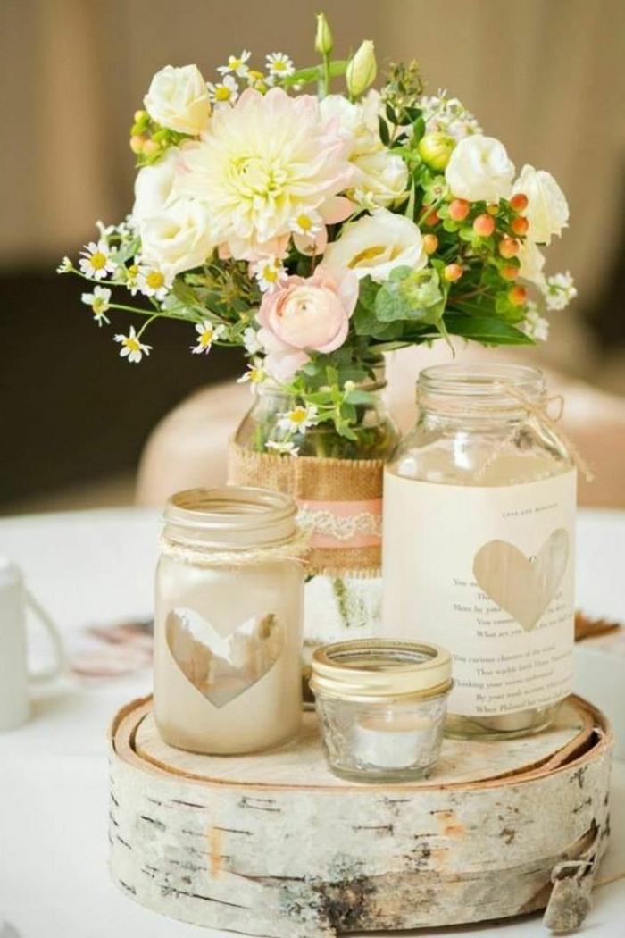 rondin écorce de bois, bocals bougeoirs diy, bouquet de fleurs de campagne
