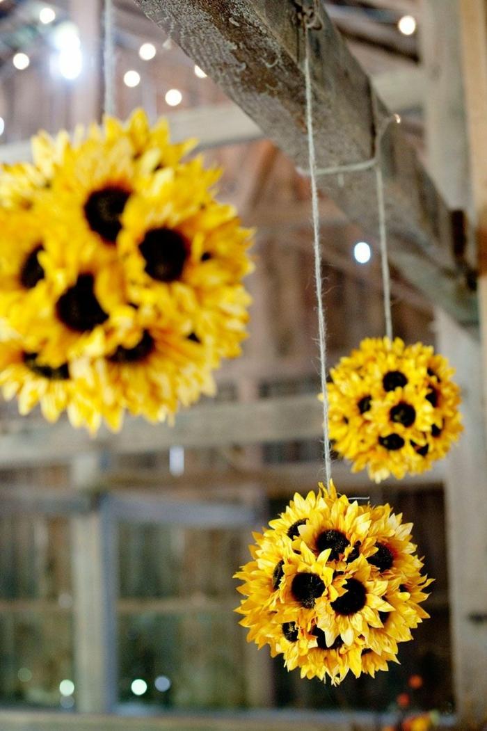 bouquets suspendus pour la déco d'un mariage campagnard, mariage theme champetre