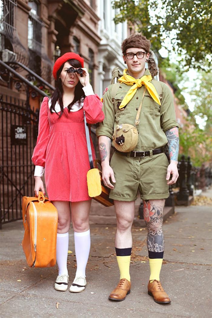 costumes originales pour un deguisement couple pas cher, robe rouge et béret rouge, homme tenue vert militaire