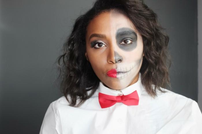 maquillage halloween femme facile, chemise blanche et papillon rouge, visage demi tête de crâne