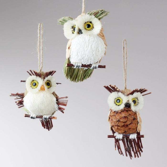 faire une deco avec pomme de pin, figurines animaliers diy réalisés avec pomme de pin et bois, activité manuelle automne pour enfants