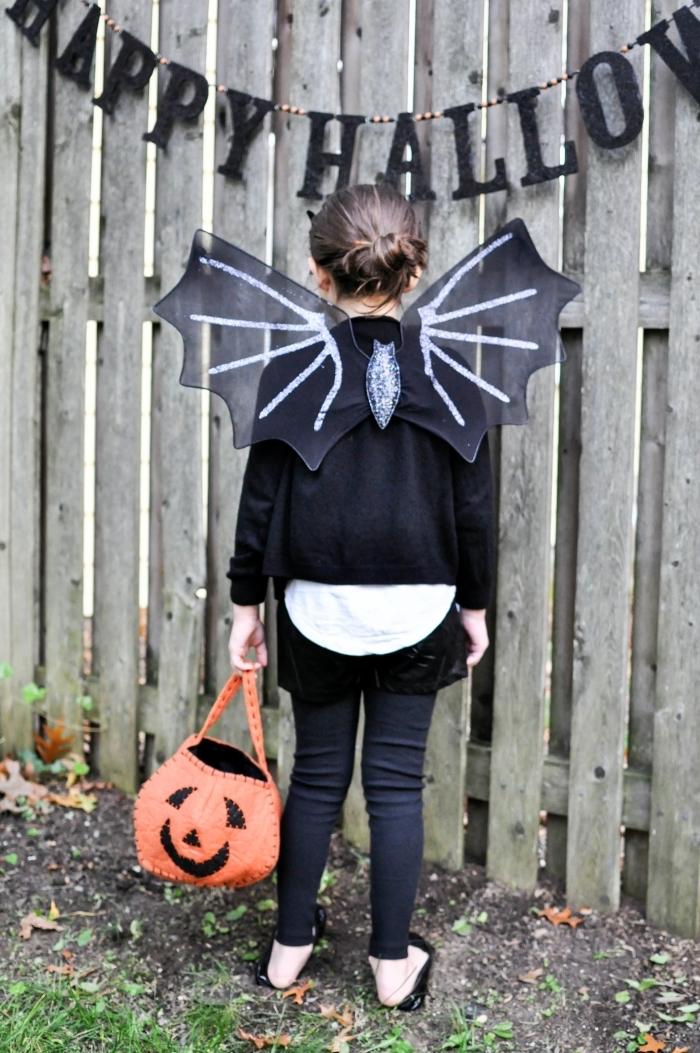 costume Halloween DIY pour enfant, deguisement halloween maison avec ailes DIY à design chauve-souris 3D