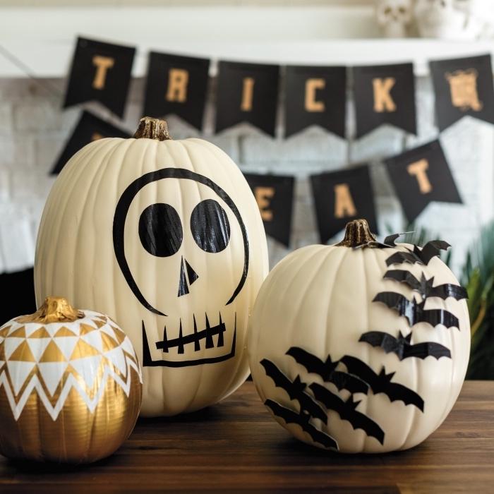 design intérieur sur le thème Halloween, exemple d'objets DIY faciles pour la fête d'Halloween, idée comment décorer une citrouille