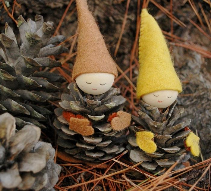idée activité manuelle automne maternelle, creation avec des pommes de pin, figurine en pomme de pin avec chapeau en feutre textile