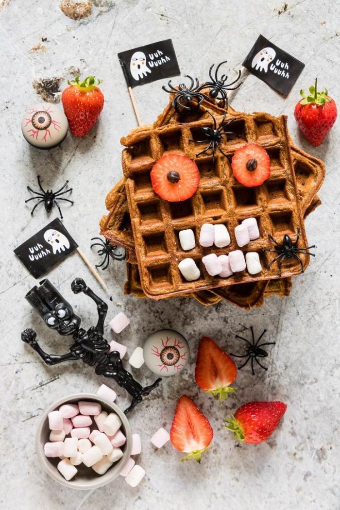 des gaufres monstrueux trop chouets à décorer avec les enfants, idée originale pour un gouter halloween rigolo et effrayant