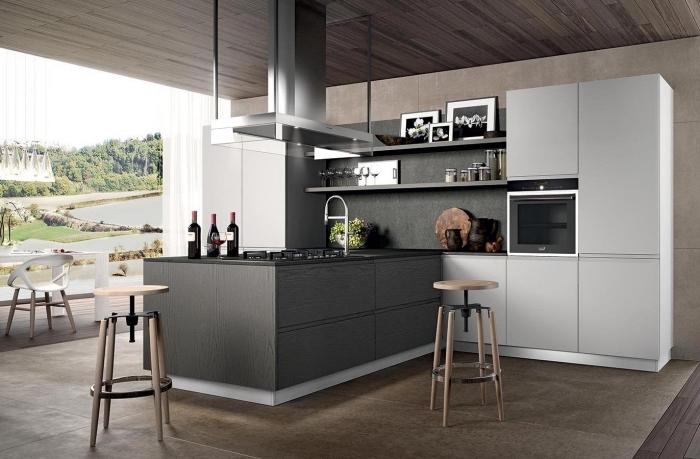 modèle de petite cuisine avec ilot central équipé d'évier et plaque cuisson, modèle de tabourets de bar moderne en fer et bois