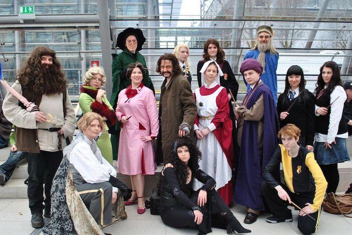 Photo Harry Potter et l'école de Poudlard deguisement inspiration pour adultes, couple déguisement ridicule, costume de carnaval