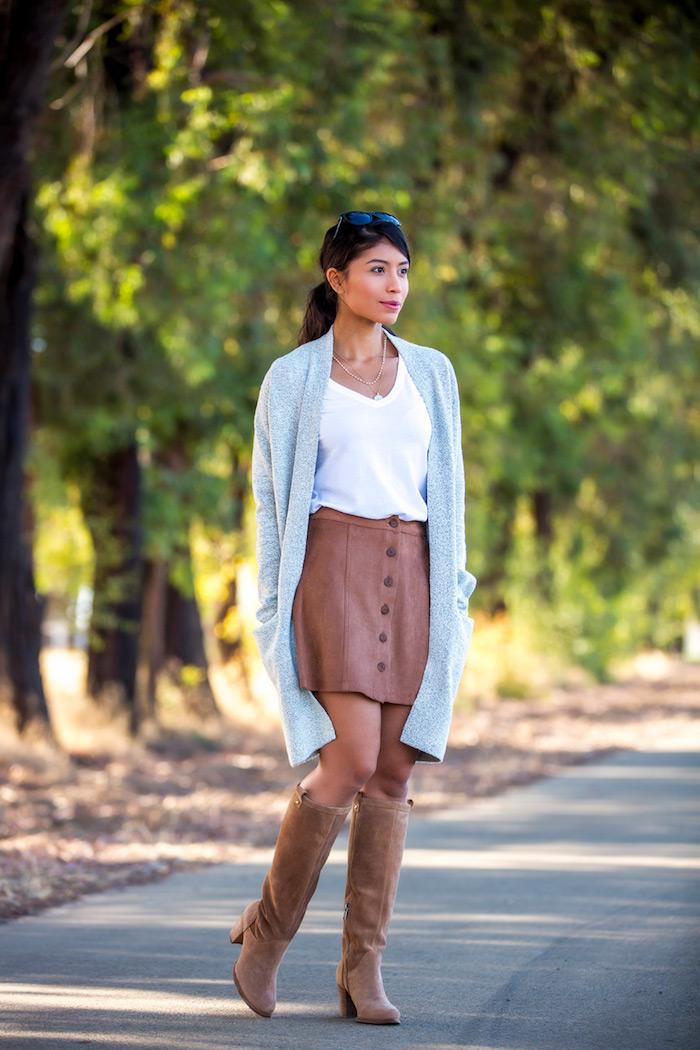 Tenue avec cuissardes cuir, look cuissarde, cuissarde chaussette pour lycée, jupe courte et gilet longue