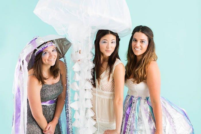 Simple deguisement de groupe, original déguisement halloween fait maison, méduse costumes