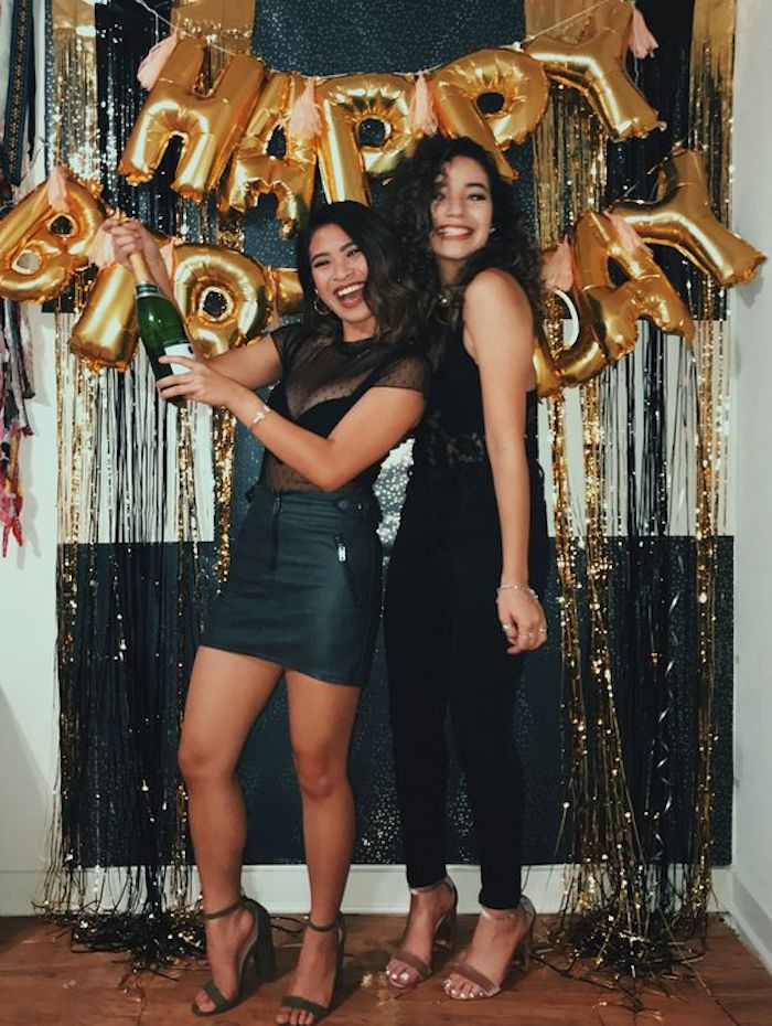 Anniversaire 18 ans fille, decoration anniversaire fille, comment fêter avec du style, joyeux anniversaire guirlande de ballons