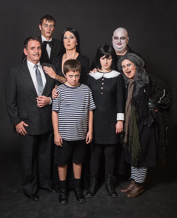 Diy déguisement carnaval facile à réaliser, deguisement groupe, déguisement de groupe festive la famille Addams
