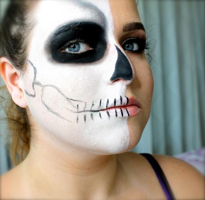 maquillage halloween squelette, fille au maquillage noir et blanc facile, demi crâne