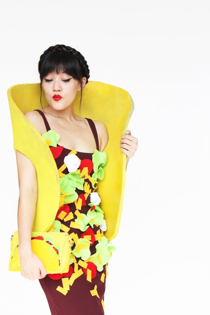 exemple de deguisement a faire soi meme facile, costume diy à design tacos avec une robe marron décorée en tissu feutre coloré