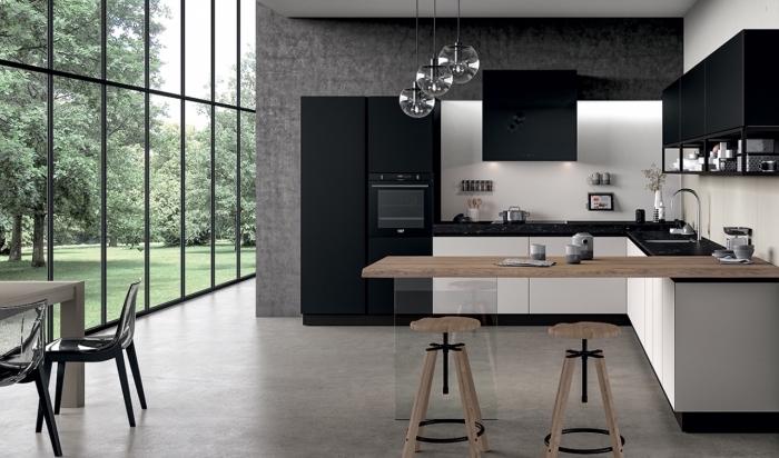 tendances déco 2018 pour une cuisine contemporaine, exemple de cuisine en u en blanc et noir avec pan de mur en gris anthracite