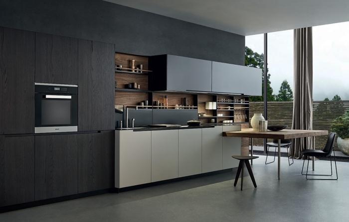 comment combiner les couleurs neutres dans un design moderne, exemple de cuisine foncée avec meubles hauts en noir et meubles bas en blanc