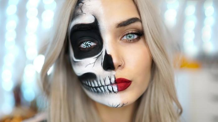 moitié du visage tête de crâne, lentille de halloween, rouge à lèvres vif, yeux bleus