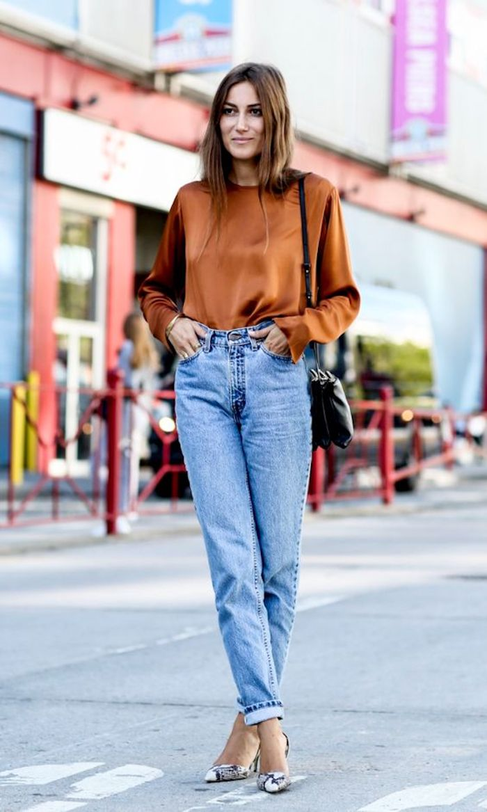 Vetement année 80, look année 80, le top look année 80, vêtements chic blouse et jean mom jeans