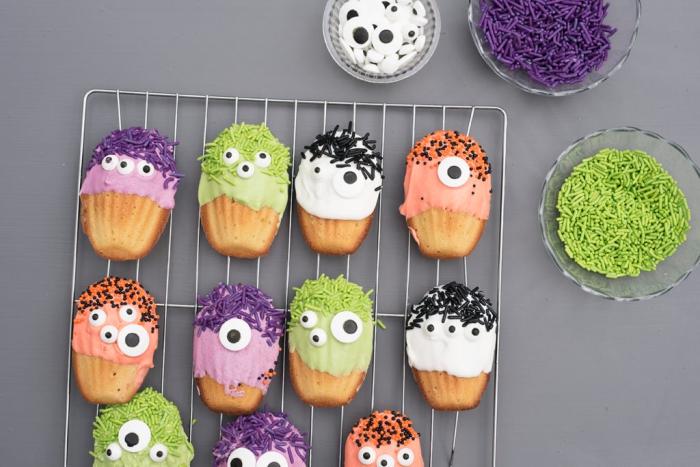 des madeleines monstres aux yeux multiples au glaçage coloré parfaites pour un apero halloween