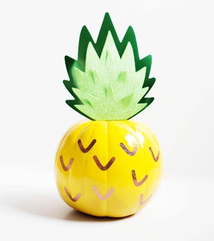 comment faire un dessin citrouille facile, modèle de fausse citrouille décorée avec peinture et papier coloré à design ananas