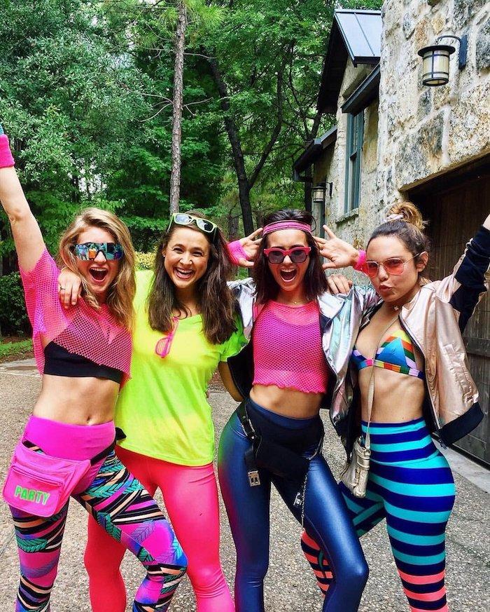 Vetement de sport couleur neon style année 80, folie mode les années 19 80, les années de disco et punk