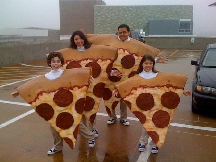 Idée déguisement original de pizza pièces pour la famille, déguisement film culte personnage célèbre, cool idée pour tous