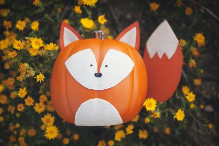 faire une citrouille d halloween amusante à design animal, modèle de fausse citrouille décorée en forme animale