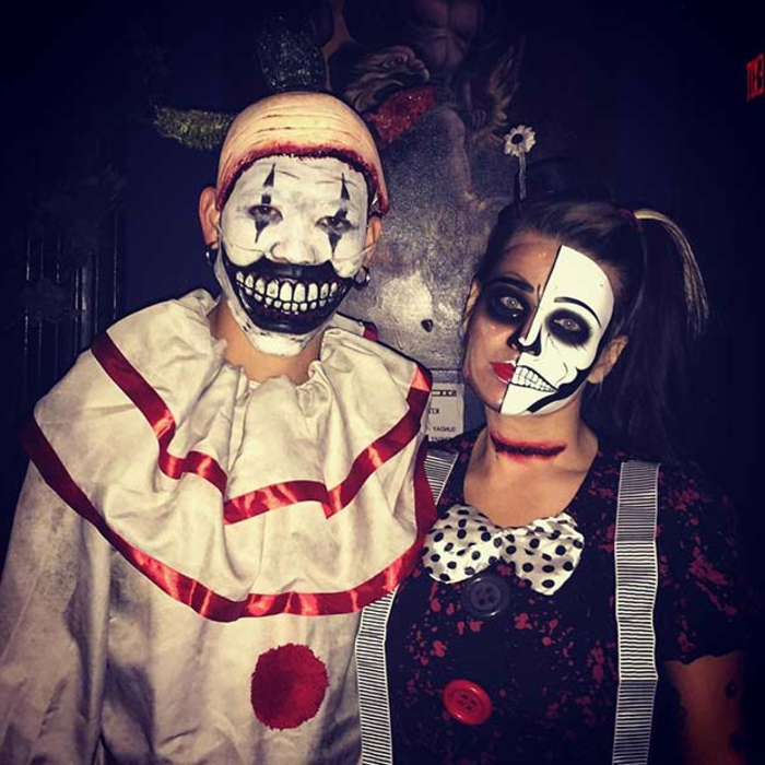 déguisement Joker, deguisement duo unique, peinture sur visage, pélerine blanche, papillon pointillé