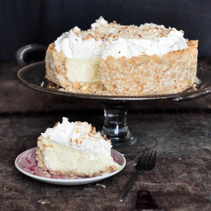 une version du cheesecake américain sans besoin de cuisson, au fromage frais et à la noix de coco