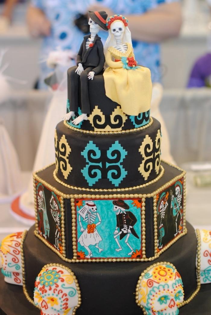 modèle de gâteau de mariage à design effrayant pour Halloween avec dessins et figurines de couple squelettes