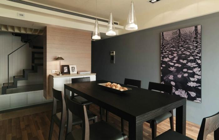 table de repas noire, peinture tableau, lampes pendantes, quel mur peindre en couleur gris, escalier loft