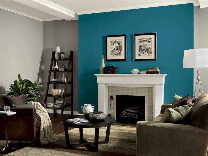 couleur peinture salon bleu et gris, manteau de cheminée blanc, étagère échelle, table basse, fauteuil en cuir