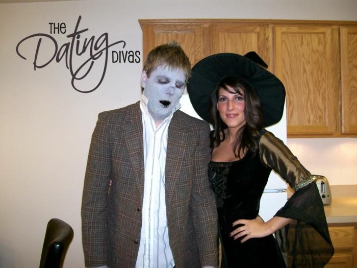 vampire, sorcière, deguisement couple cinema, homme vaec tailleur en laine, femme avec chapeau à périphérie