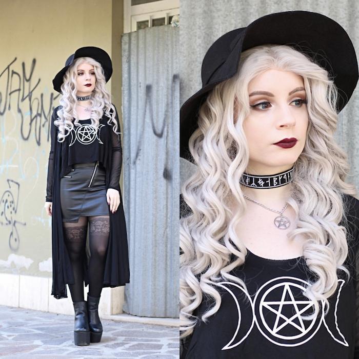 exemple de maquillage sorciere halloween et look sorcière intégral, cheveux blond platine, rouge à lèvres rouge foncé, eye liner noir, tee shirt et jupe noire cuir, collier ras du col