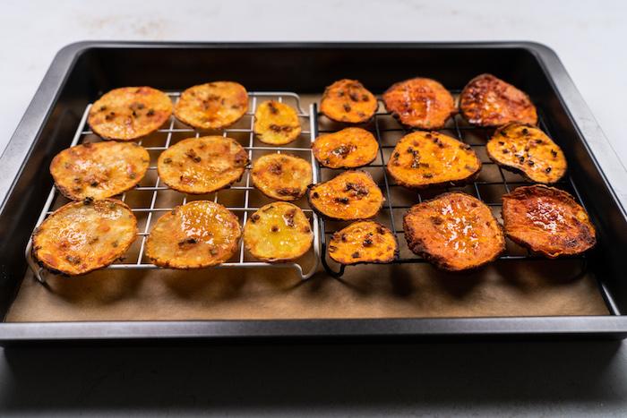 cuire le chips au four jusqu'à doré, recette chips maison facile au four, etape pour faire amuse bouche rapide pour apero