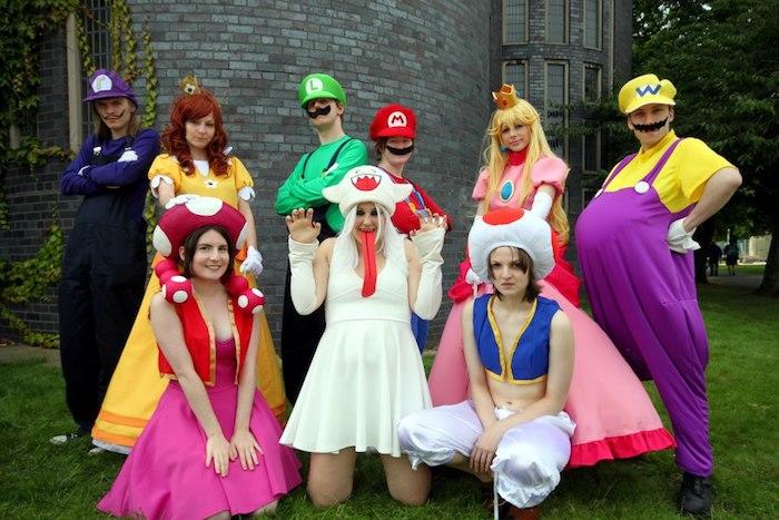 Super Mario déguisement tous les caracteres, costumes halloween pour toute la famille ou pour amis, cool idée simple pour se déguiser