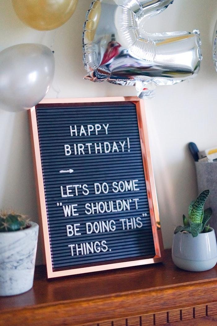 Fête anniversaire deco table anniversaire 18 ans décoration anniversaire 18 ans, adorable idée de tableau