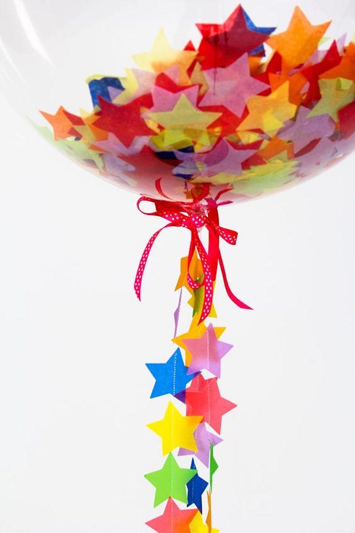 Deco anniversaire 18 ans, décoration anniversaire 18 ans, cool idée pour la fête, ballon avec brillants colorés