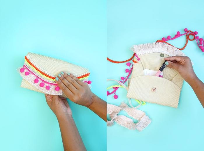 tuto sac pochette d'été à réaliser facilement à partir d'un set de table en paille, décoré avec des pompons variés