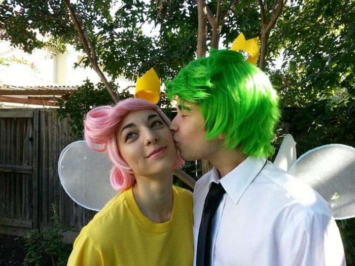 elfes, déguisement jeune couple halloween, deguisement couple pas cher, cheveux colorés, ailes blanches