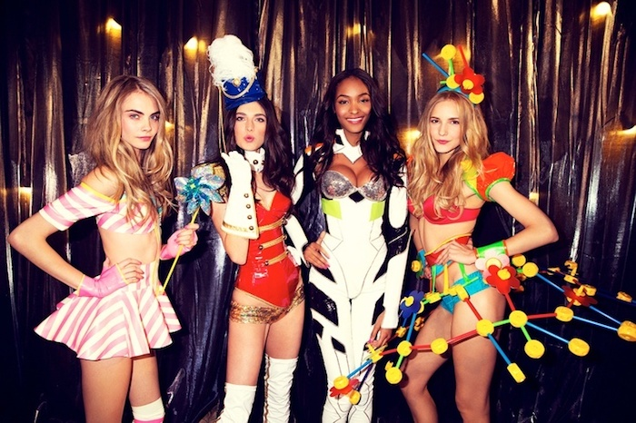 Le déguisement halloween fait maison, déguisement original fête des morts, victoria's secret modèles femmes jolies