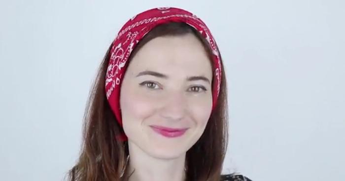 Comment mettre un bandana – stylée des pieds à la tête