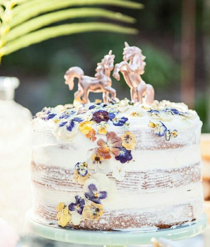 Beau gateau d'anniversaire adulte, photo le plus beau gâteau du monde, gâteau licorne décoré de fleurs comestibles