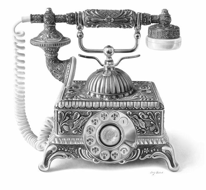Dessin facile a dessiner, dessin au fusain détaillé, chouette téléphone vintage au fusain noir sur feuille de papier blanche