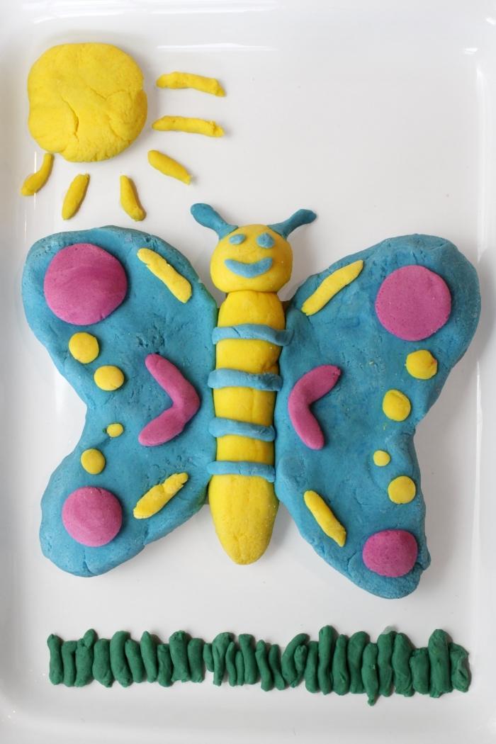 des jeux de pâte à sucre et des activités de modelage pour stimuler la créativité des enfants, papillon et soleil en pâte à maison