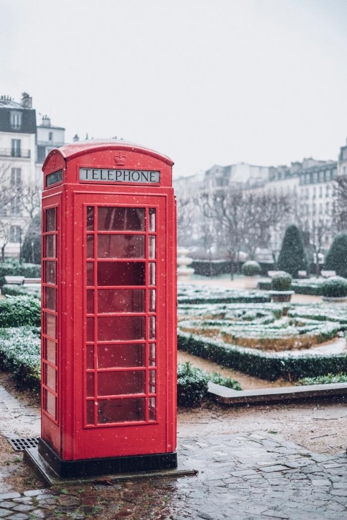 idée photo hiver pour wallpaper verrouillage portable, exemple paysage hiver dans un parc avec arbres verts
