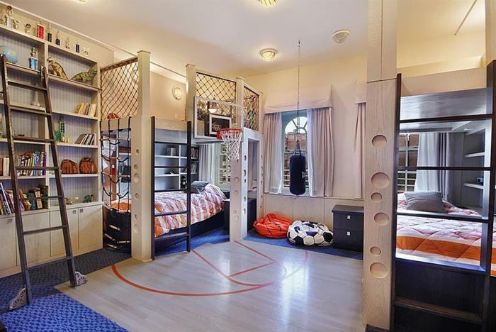 chambre de garçon super créative, petite chambre d'enfant à thème de sport, corbeilles de basket, poire de vitesse