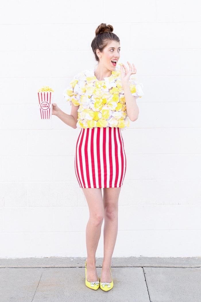 idée de deguisement a faire soi meme, modèle de costume popcorn pour Halloween, exemple déguisement insolite pour femme