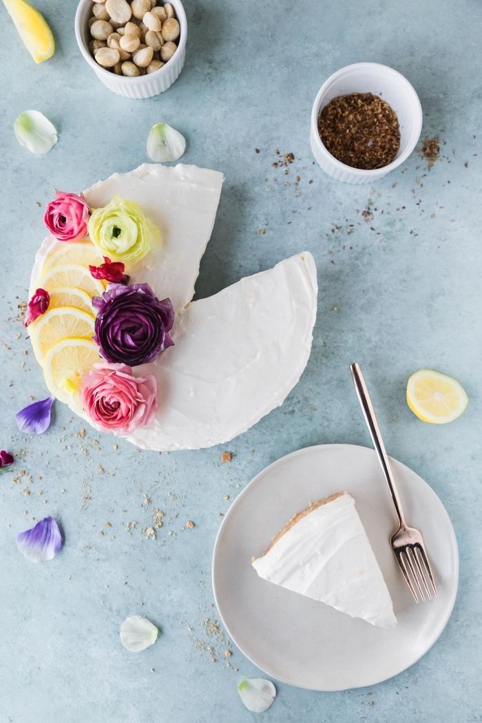 recette facile de cheesecake citron sans cuisson à base d'une croûte fait de noix de macadamia et noix de coco